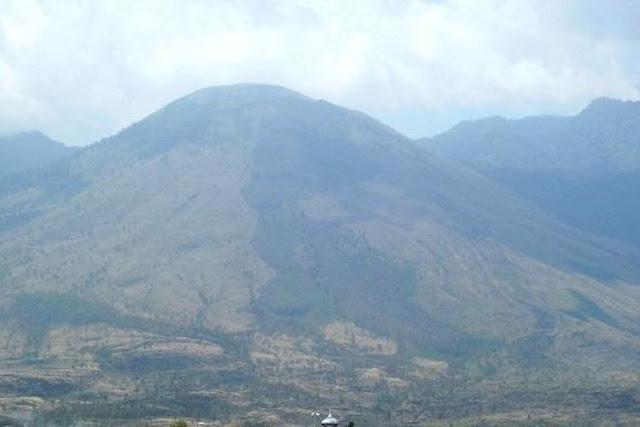 Kisah Misterius Pendaki Gunung Guntur yang Menghilang Lalu Ditemukan Selamat Tanpa Baju