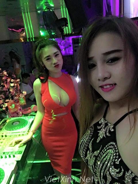 DJ Thùy TOP bộ vếu khủng không thể căng hơn
