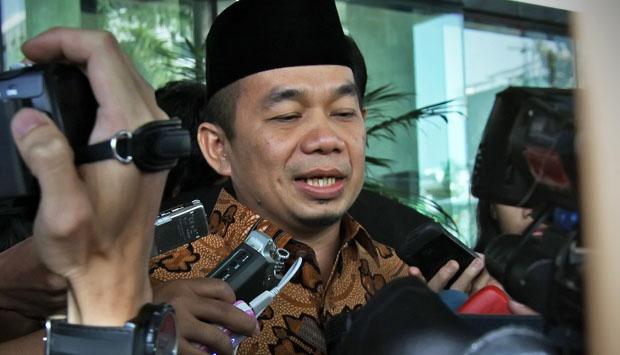 PKS: Presiden Indonesia Bukan Jualan Kartu
