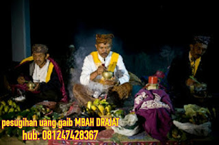 http://mbahdrajat.blogspot.co.id/2018/02/pesugihan-uang-gaib-pesugihan-terbaru.html
