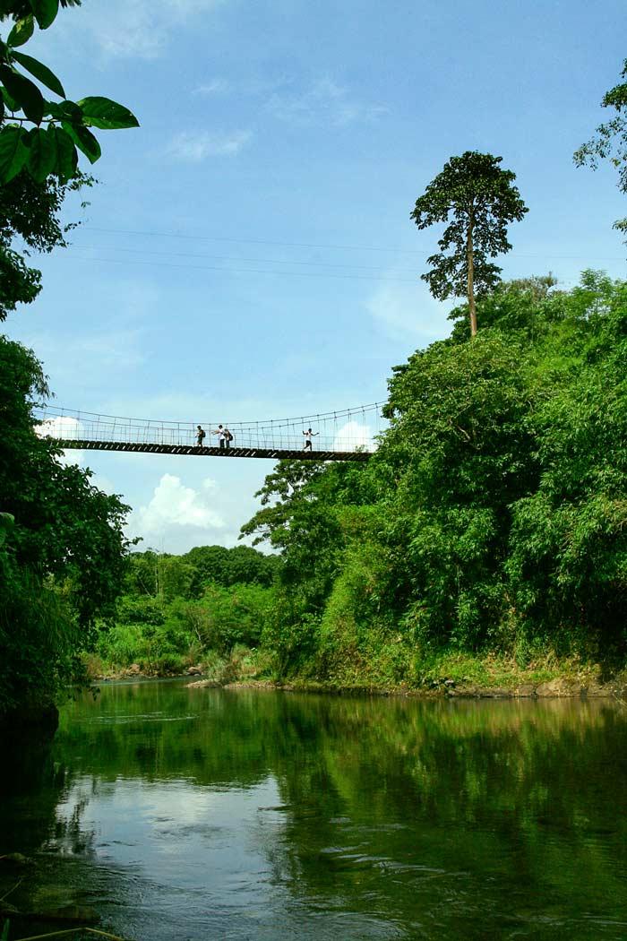 Binaritan Kanawan Hanging Bridge