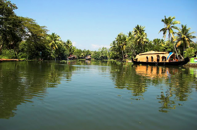 Kerala backwaters scenery and images