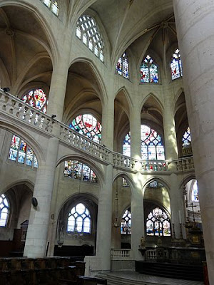 «Paris (75), église Saint-Étienne-du-Mont, chœur, côté nord 5» par P.poschadel — Travail personnel. Sous licence CC BY-SA 3.0 via Wikimedia Commons - https://commons.wikimedia.org/wiki/File:Paris_(75),_%C3%A9glise_Saint-%C3%89tienne-du-Mont,_ch%C5%93ur,_c%C3%B4t%C3%A9_nord_5.jpg#/media/File:Paris_(75),_%C3%A9glise_Saint-%C3%89tienne-du-Mont,_ch%C5%93ur,_c%C3%B4t%C3%A9_nord_5.jpg