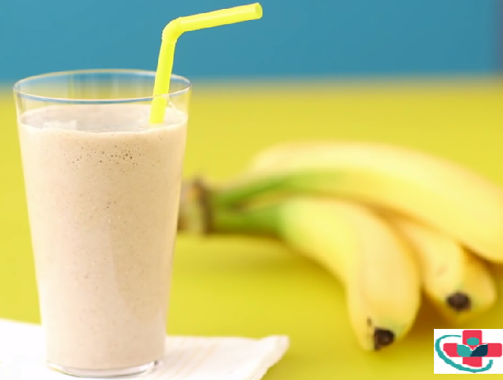 OATMEAL SMOOTHIE WITH BANANA AND CINNAMON