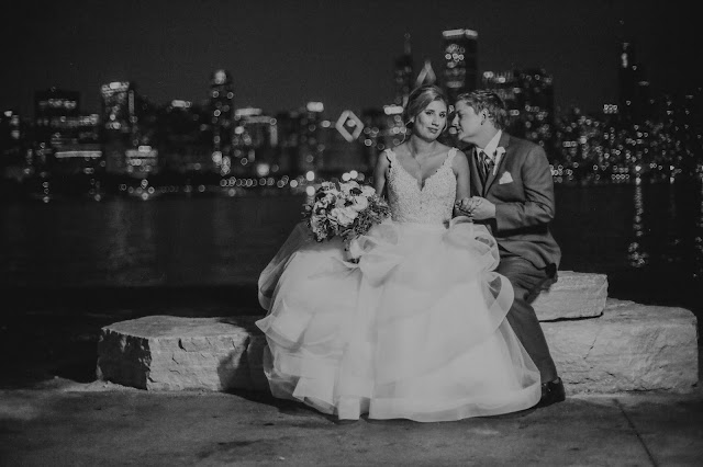 Wedding Photo of the city skyline at Adler Planetarium