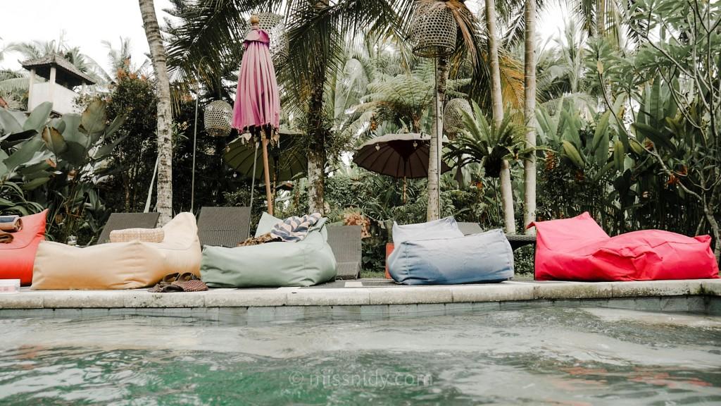 villa dengan kolam renang di ubud bali