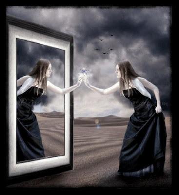 Risultati immagini per Guardarsi allo specchio