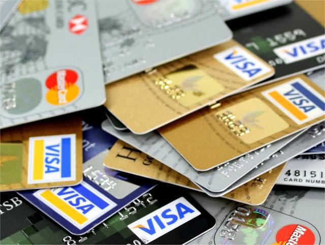 Credit Card मुफ्त में नहीं देते बैंक,आपसे लिए जाते हैं ये चार्ज, जानिए