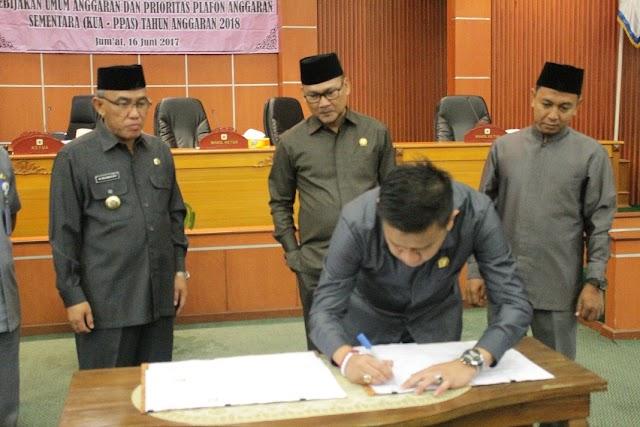 Paripurna DPRD Depok Tanda Tangani Nota Kesepakatan KUA PPAS