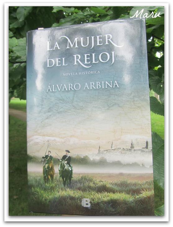 24716148cdeb leyendo con Mar  La mujer del reloj de Alvaro Arbina.