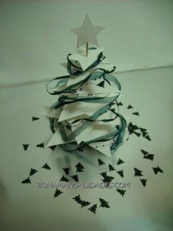 Árbol de Navidad hecho con estrellas