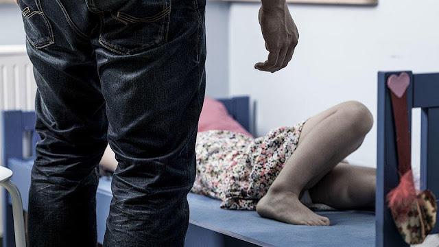 Пропавшую в Петербурге 12-летнюю девочку нашли дома у педофила