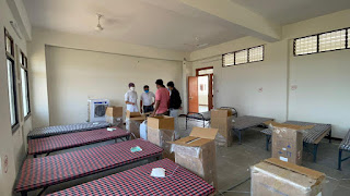 पूर्व मंत्री गौरीशंकर बिसेन एवं क्षेत्र विधायक ने 100 आक्सीजन मशीन कोविड सेंटर गोलाई में प्रदान की