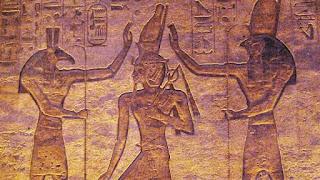 التطاول على الآلهه فى مصر القديمة