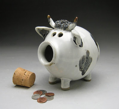 bull piggy bank, ceramic, with a stopper for his nose