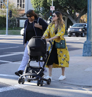 Jessica Alba Out Shopping with her kid In Beverly Hills