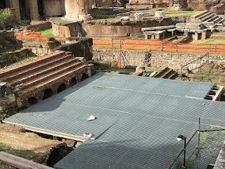 Largo di torre Argentina - Roma