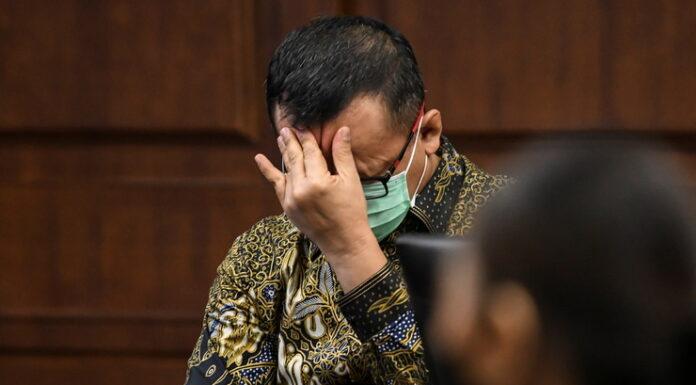 Edhy Prabowo Minta Bebas dari Dakwaan Karena Usia dan Anak-Istri, Netizen: Waktu Korupsi Aja Gagah Banget