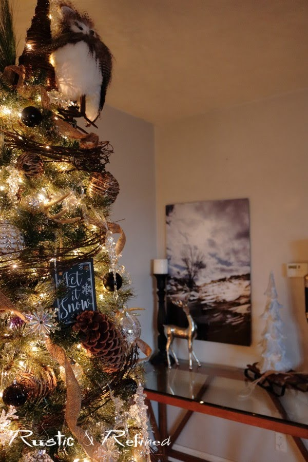Rustic decor for Christmas in the Living Room and on the Christmas Tree