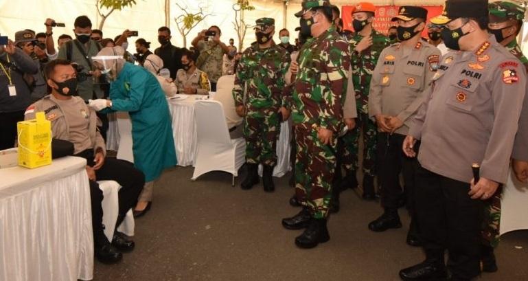 1.000 Prajurit TNI – Polri di Kepri Menjalani Vaksin Covid-19
