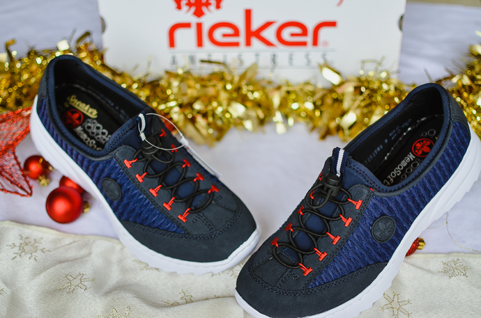 outdoorsy family gift guide, Reiker trainers