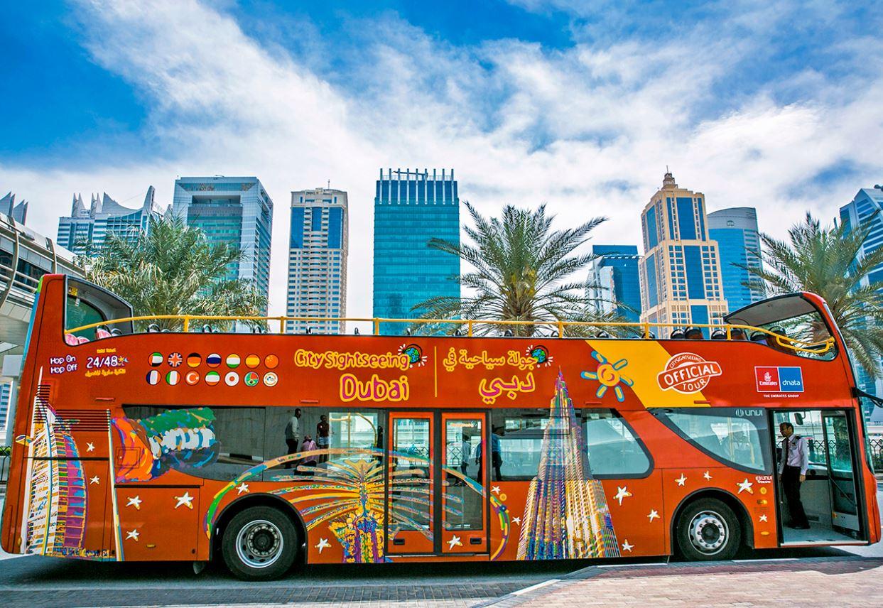 دبي Dubai تبدأ حملات السياحة الترويجية وتستأنف أنشطة الحافلات المفتوحة