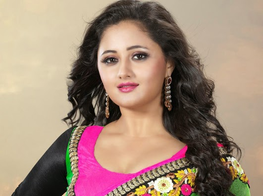 Bhojpuri, Bollywood and Indian tv serial Actress Rashmi Desai wiki, Biography, Rashmi Desai Latest News, Photos, wallpaper, Videos, Upcoming films Info
