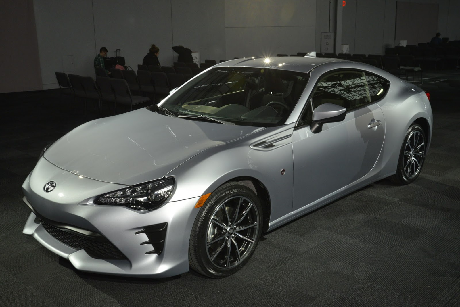 the 2017 toyota 86 is here to replace the scion fr s carscoops. Black Bedroom Furniture Sets. Home Design Ideas