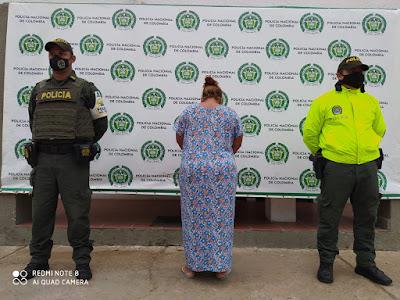 https://www.notasrosas.com/Decomisan cigarrillos y capturan una mujer en Maicao