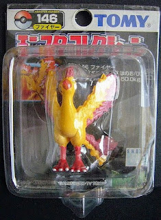 Moltres  Pokemon figure Tomy Monster  Collection black package series