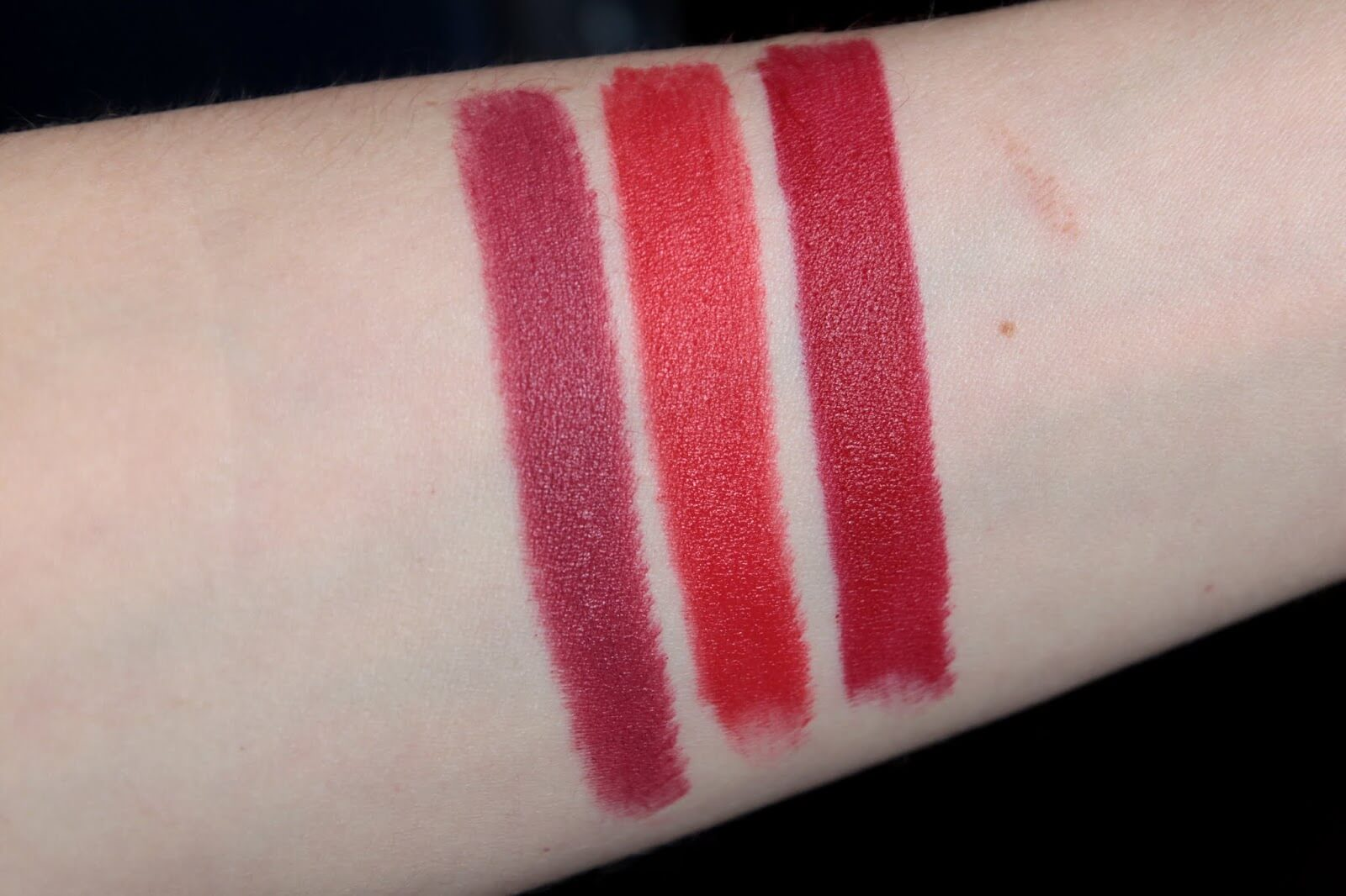 Kure Bazaar Mat Lipstick Couture Tea Rose swatch