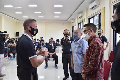 Kapusjaspermildas TNI Beri Pembekalan Pelatih Bola Voli