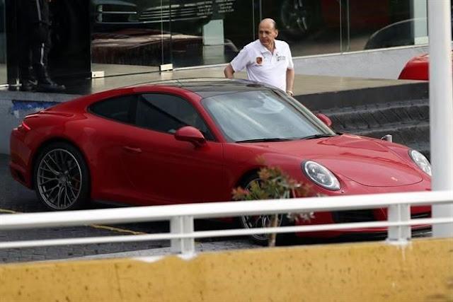 """Delegado del IMSS tiene un Porsche que """"olvido"""" incluir en su declaración patrimonial"""