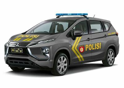 Desain Mitsubishi Expancer versi Ambulance