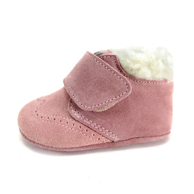 https://www.zapanines.es/zapatos-bebes/2675-botita-bebe-serraje-borreguillo-rosa.html