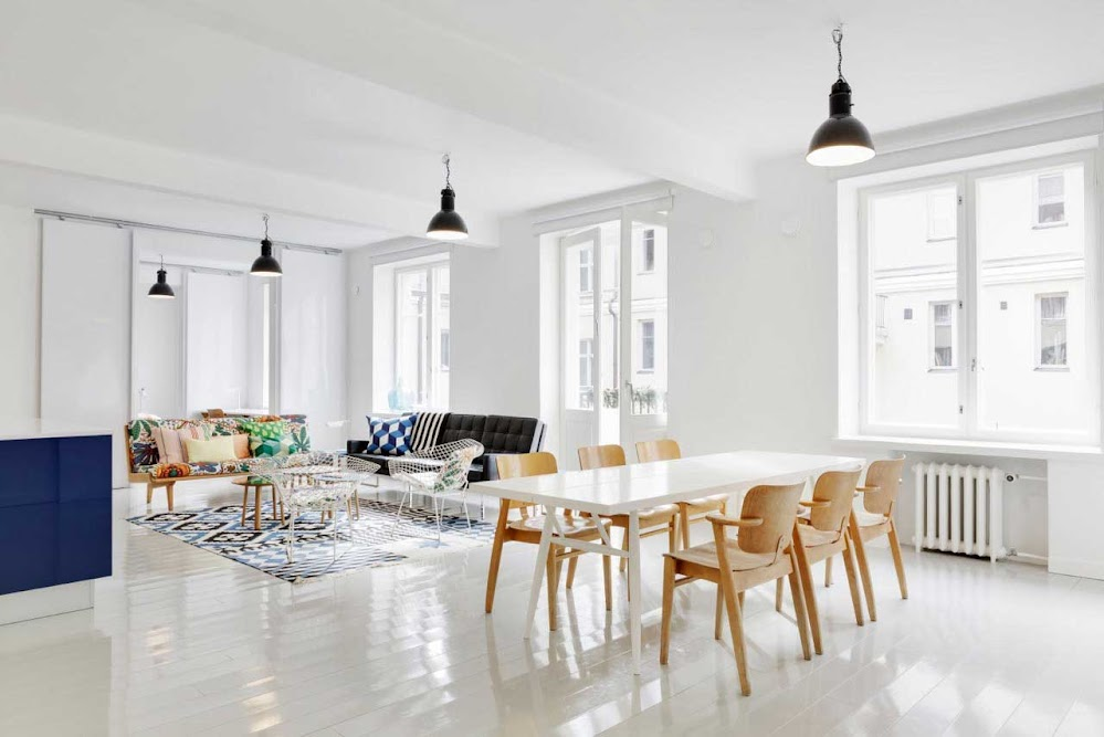 polished-white-dining-table