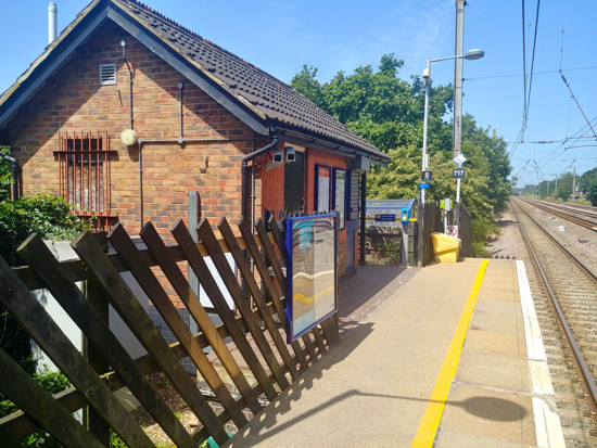 Welham Green station June 2019, still waiting for contactless reader  Image by North Mymms News released under Creative Commons BY-NC-SA 4.0