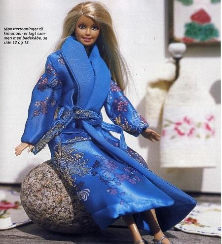 Roupão azul para a Barbie com moldes