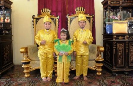 Pakaian Adat Melayu