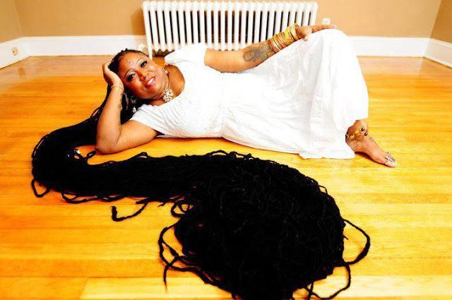 المرأة ذات اطول شعر مجدل في العالم