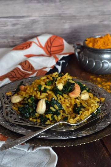 Spinach and Turmeric Rice