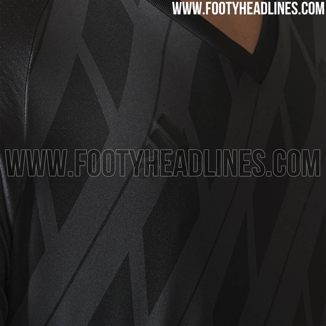 https://1.bp.blogspot.com/-yXFQNdwoxEA/WRYWP2iGGqI/AAAAAAABK_0/xZG0VWhdUBc35ltmafBxxPilviqKIsu8wCLcB/s1600/stunning-special-adidas-real-madrid-17-18-jersey%2B%25285%2529.jpg