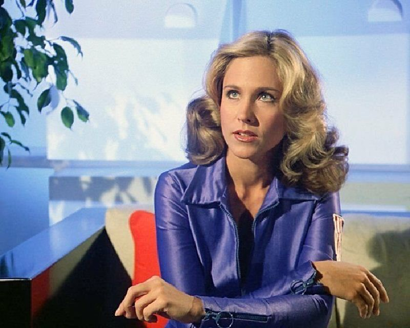 """Beautiful Portrait Photos of Erin Gray in """"Buck Rogers in the 25th Century"""" (1979)"""
