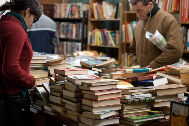 Tips Asyik Berbelanja di Toko Buku Agar Lebih Menyenangkan