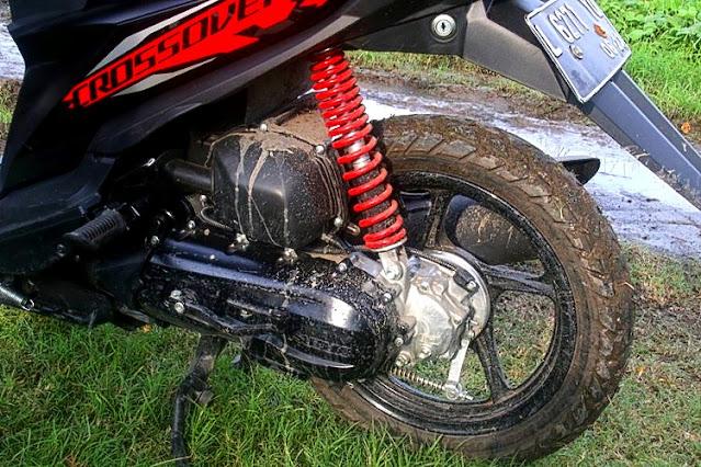 Suzuki Nex Crossover shock breaker