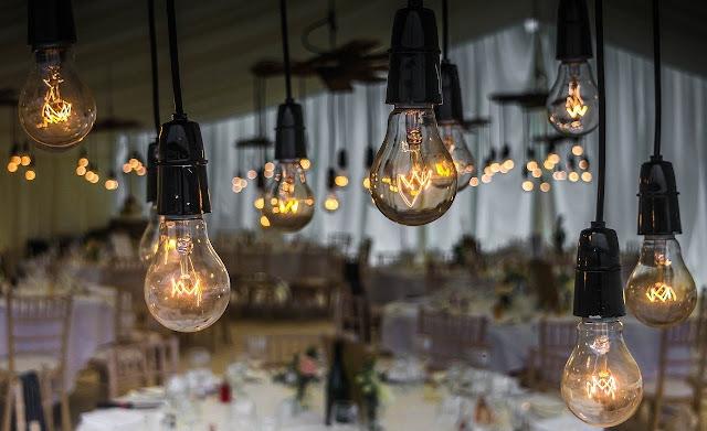 Cerimônia de casamento, energia elétrica