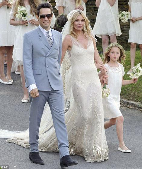Visalli Moda Casa: Kate Moss, The Bride, Wearing Galliano