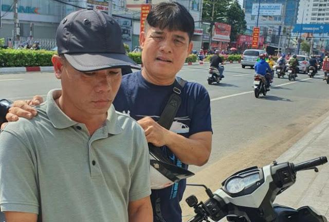Út (đội nón) bị bắt giữ