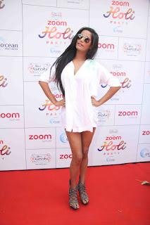 Actress Poonam Pandey Stills at ZOOM Holi 2016 Celebrations  0004