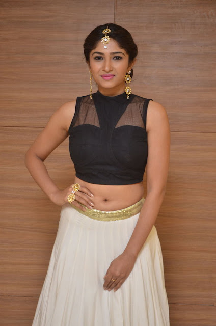 Roshini Prakash hot navel images